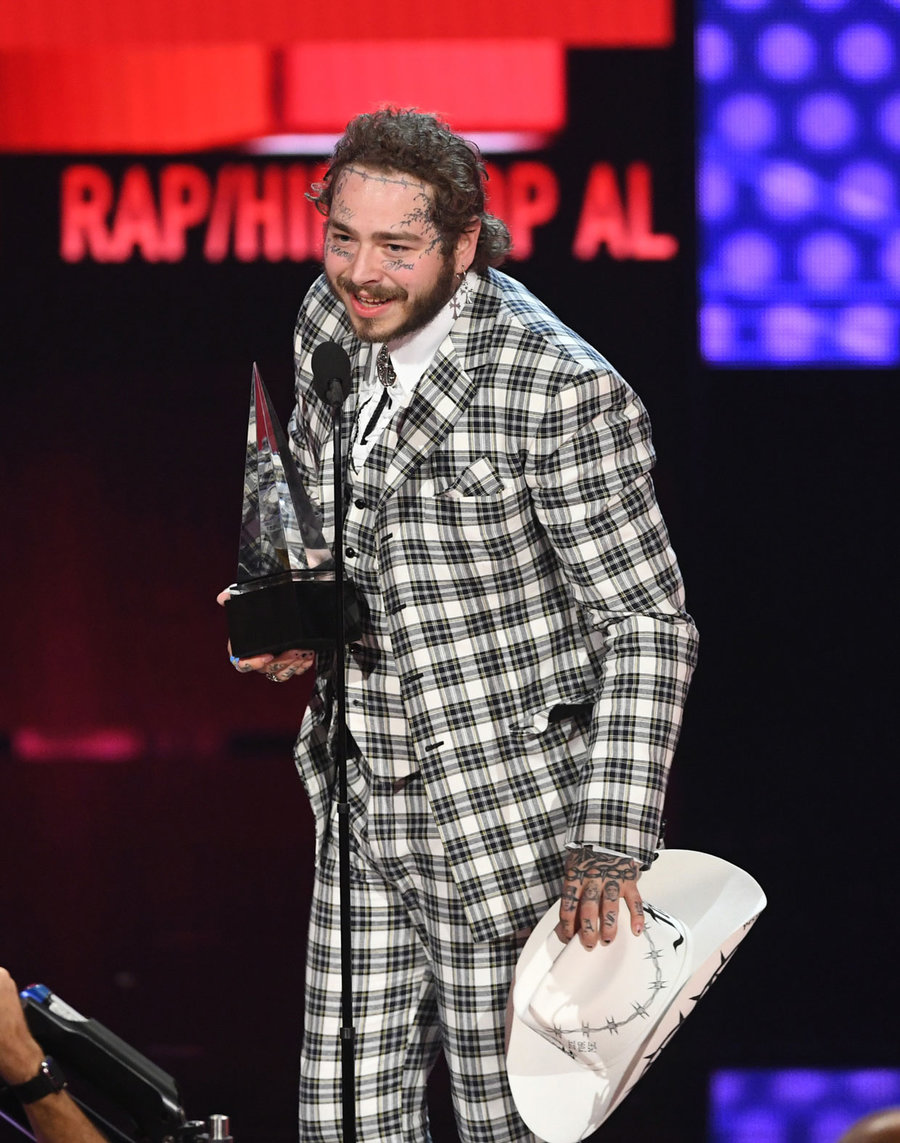 post-malone-amas-show-2019-billboard-1240.jpg