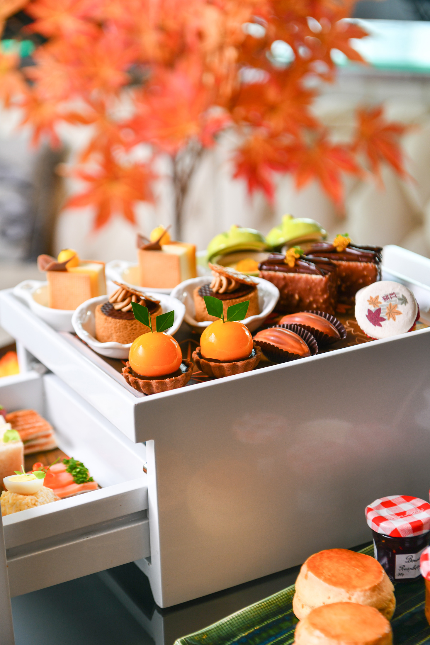 Up & Above Bar_Autumn Orange Afternoon Tea_2.jpg